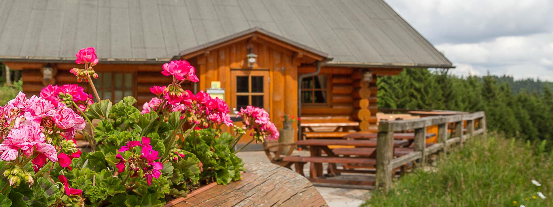 Schweden-Hütte mit Sonnenterrasse