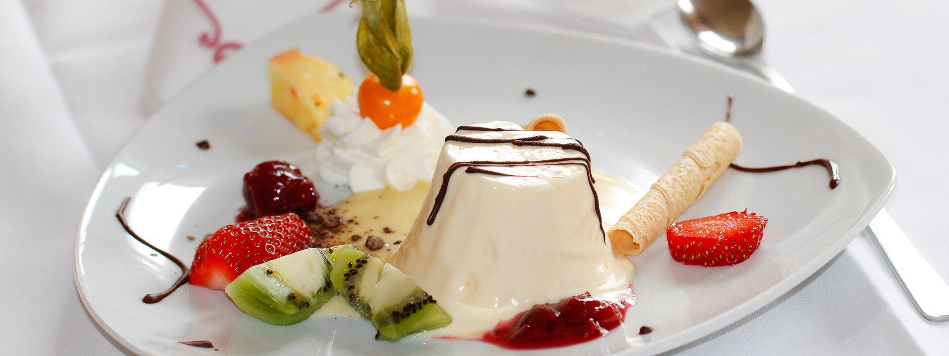 Gasthof Brauns Parfait aus weisser Schokolade